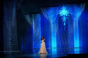 Swarovski crystals added brilliance to the stage during the performance of Oscar-winning song