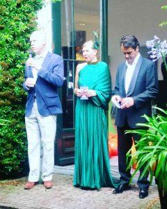Feestelijke preview van BAL!, v.l.n.r. Alex Vermeulen - directeur Paleis Soestdijk, Anne van der Zwaag - curator BAL!, Raymond Borsboom - directeur Artifex. Foto: Jan Willem Kaldenbach.